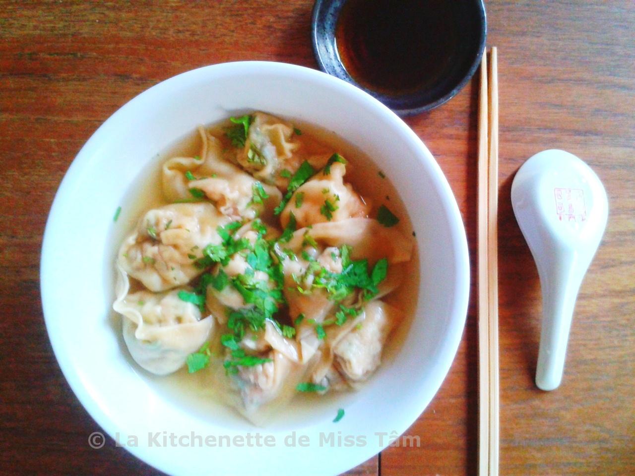soupe aux raviolis aux porc et crevettes style won ton la kitchenette de miss t 226 mla