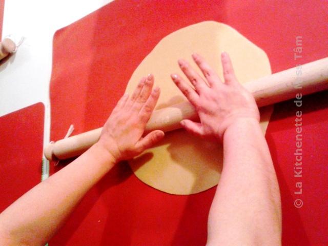 Le mattarello : coupable du premier fou rire entre Emmanuelle et moi lors de l'atelier Pasta Therapy le 29 juin 2013.