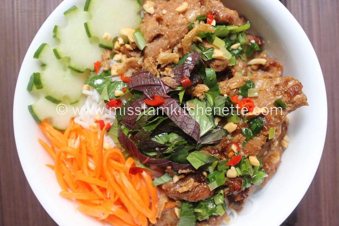 Bun Thit Nuong de La Kitchenette de Miss Tam 16