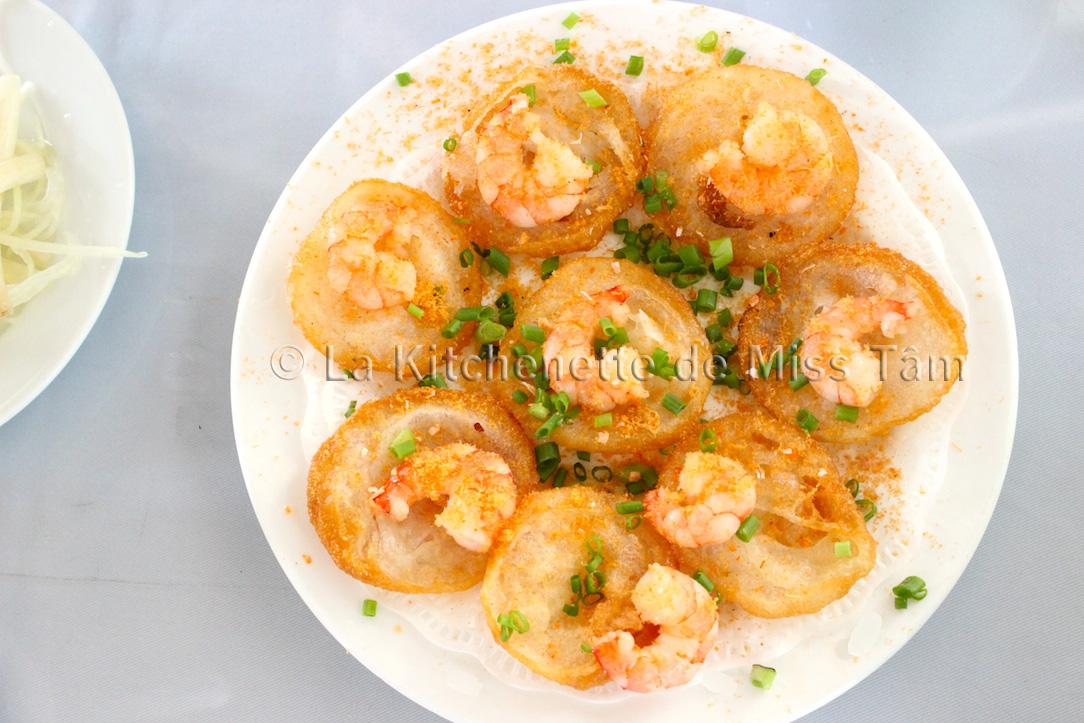 Banh khot Vung Tàu dégustés à Saigon.