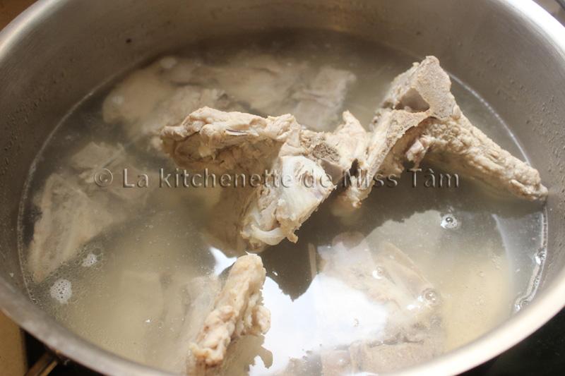 Os de porc bouillon La Kitchenette de Miss Tam 2